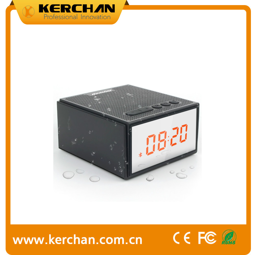 8W 15 hours IPX5 2200mah battery speaker