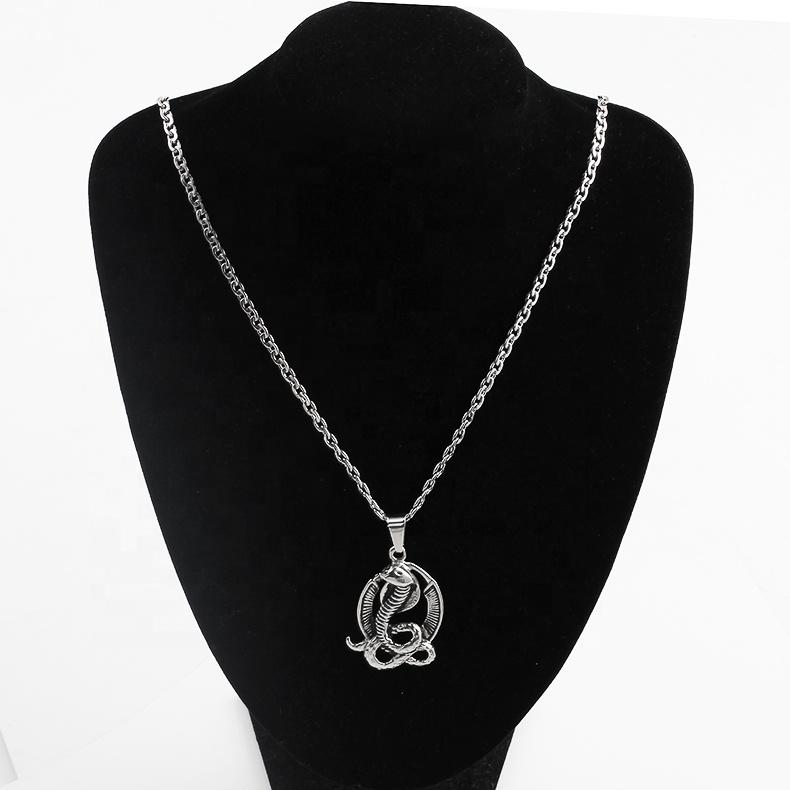 OUMI Edelstahl Zubehör Halloween Antike Silber Überzogene Chinesische Paar Liebe Mode Schlange Anhänger Halskette