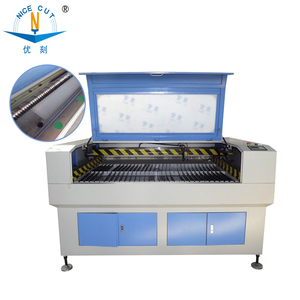 Hot selling laser cutting mesin with low price
