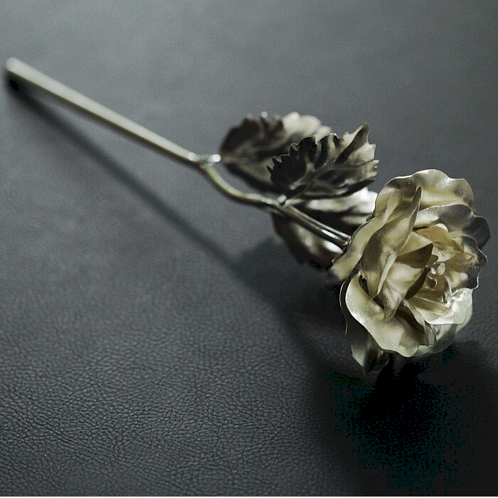 Silver Rose Flowers With Gift Box White For Funeral Souvenirs Metal Craft Factory Direct