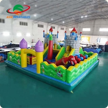 Giant Castle Russia Trampoline Inflatable Amusement Park