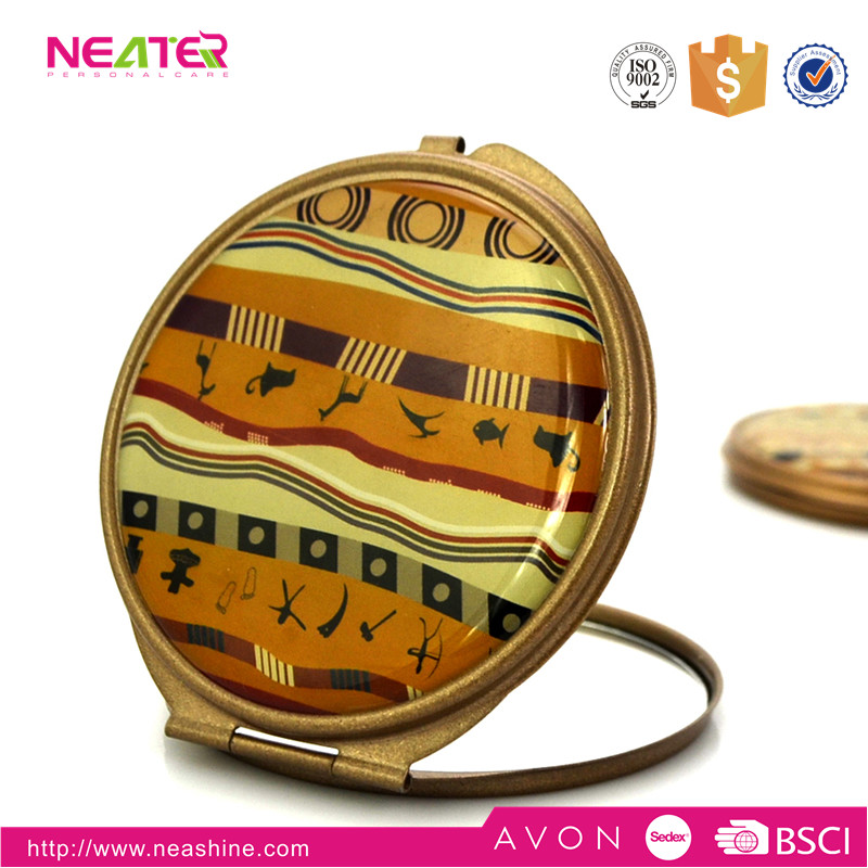 round fashion metal frame with custom epoxy sticker makeup compact mirror