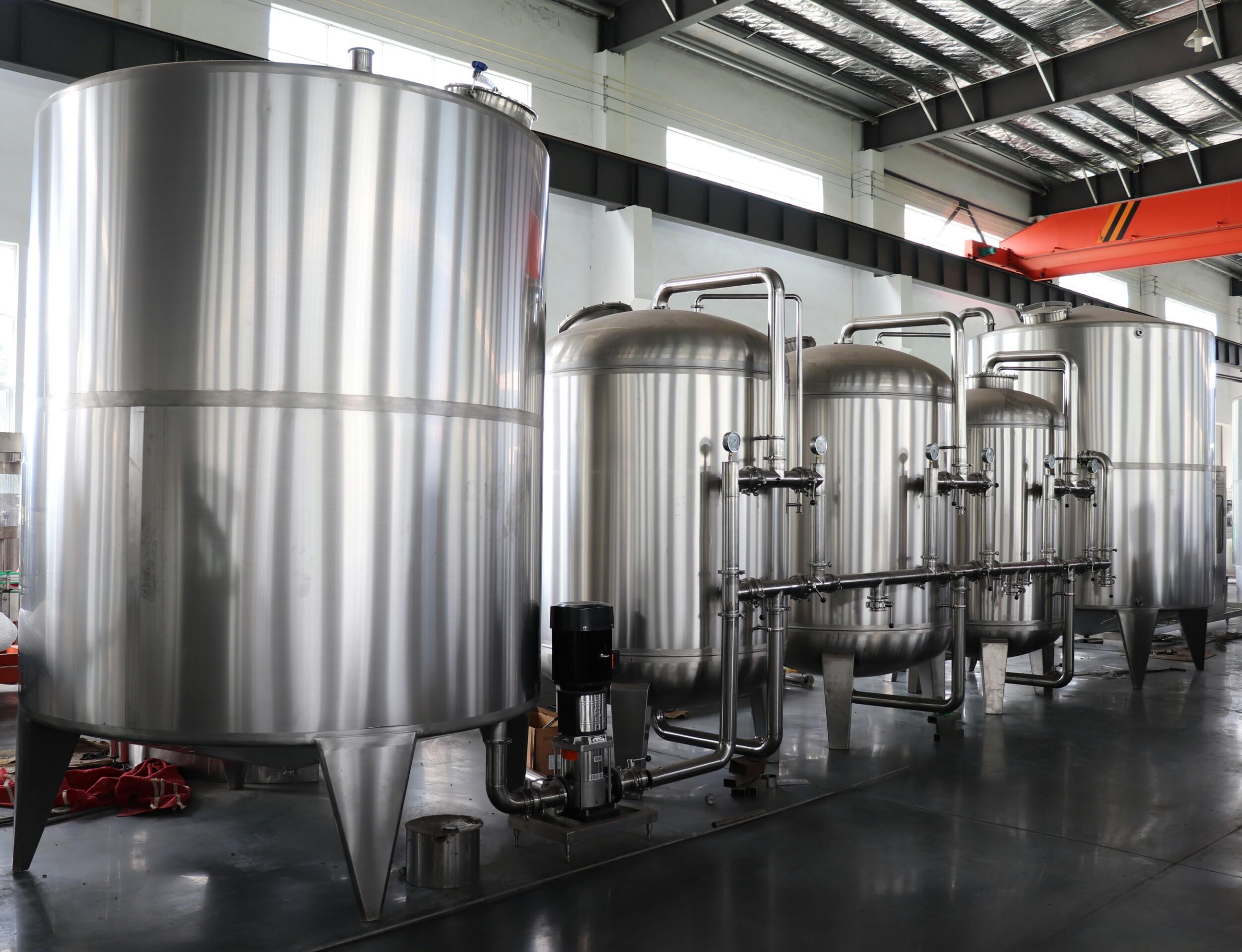التلقائي 3 في 1 الغازية المياه مشروب غازي تعبئة آلة/خط/مصنع السعر
