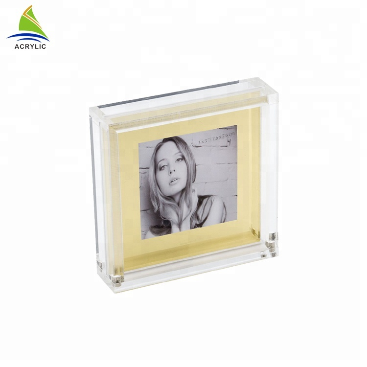 Custom Acrylic Magnetic Picture Frame Wall Mounted Acrylic Photo Frame