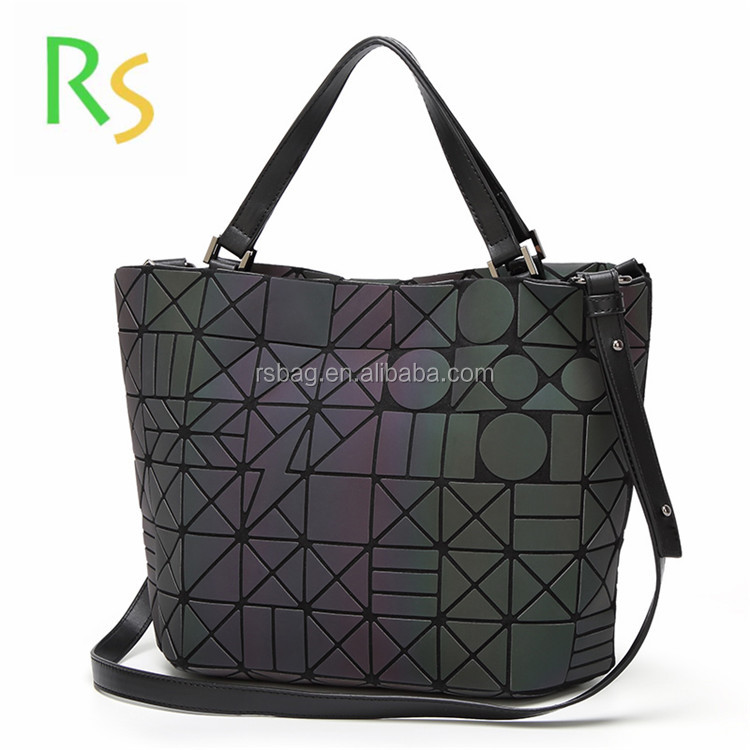 2017 new designer Alibaba <strong>trade</strong> assurance Diamond women geometric bags foldable handbag crossbody