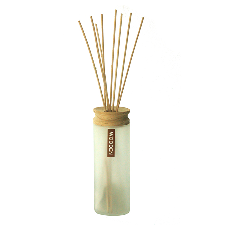 High quality Reed Diffuser Round Glass Bottle Empty With Wooden Cap Wholesale Reed Diffuser natural rattan stick