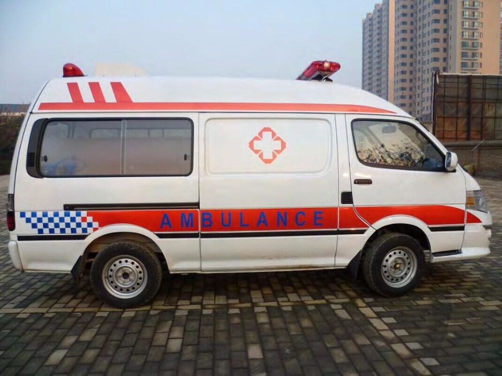 China New Ambulances, China New Ambulances Manufacturers and
