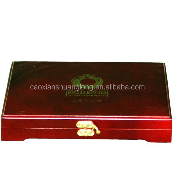 pintura de color rojo caja de regalo de madera con bisagras
