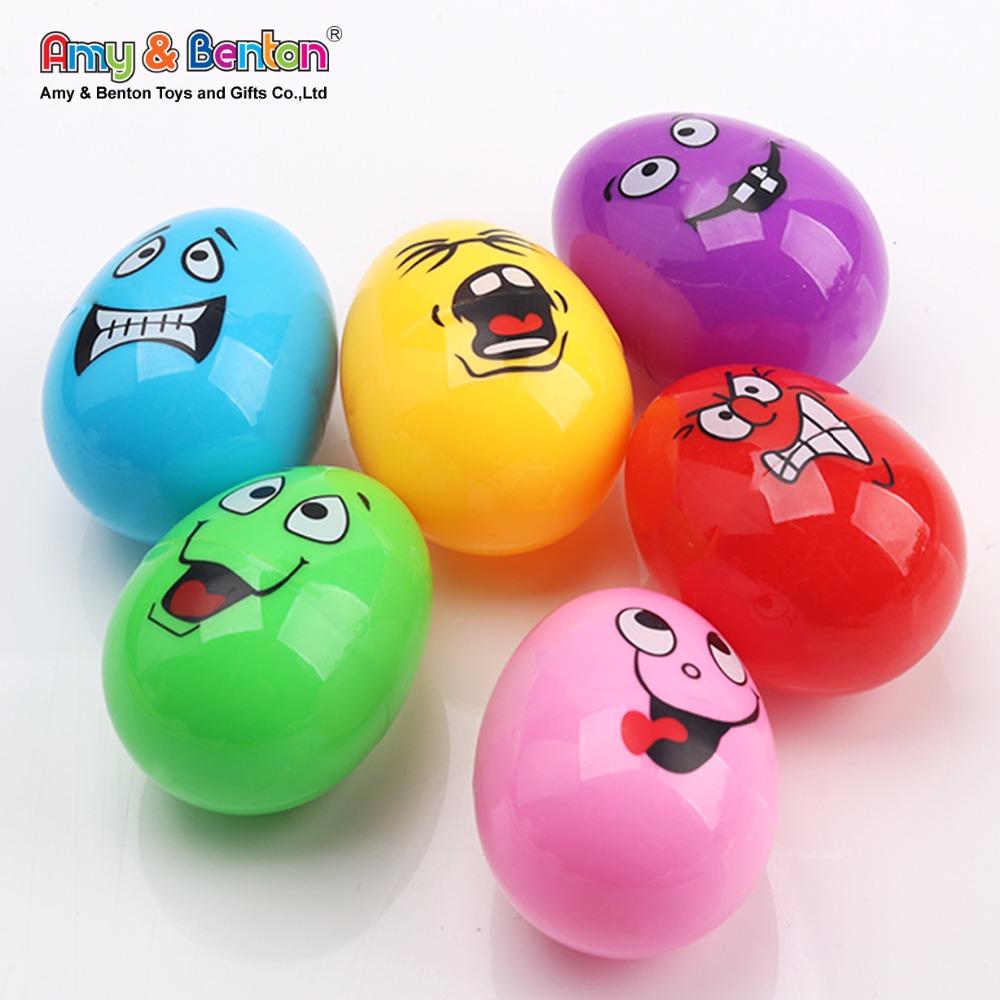 ปรับแต่งสีสันพลาสติก Emoji Egg Shakers เครื่องดนตรีสำหรับเด็ก