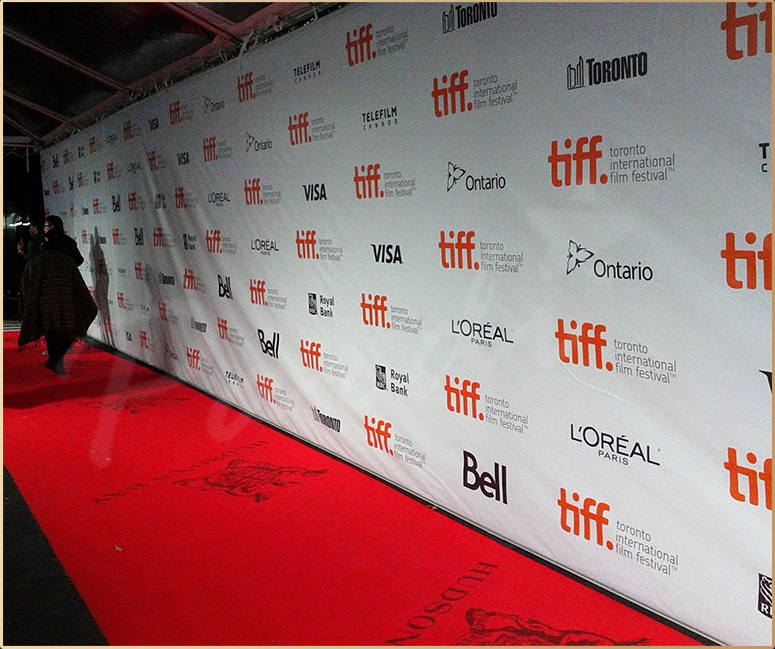 red carpet banner backdrop - trakt.co