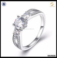 White Gold Plated Ring With Simulated Diamond Luxury Wedding Ring for Women Wholesale