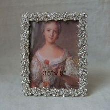 sparkling crystal studded silver photo frame(P0163523c)