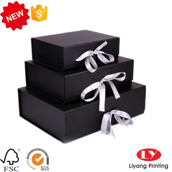 Fashion black Customized Paper Folding Rigid Box With Magnet and ribbon