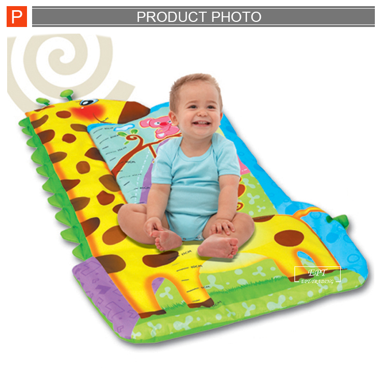 High quality cartoon giraffe baby play gym mat baby carpet with funny toy for sale