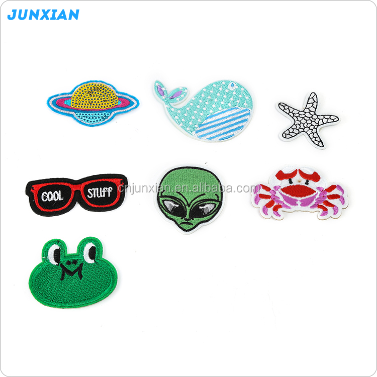 New coming different types cartoon embroidery applique patches