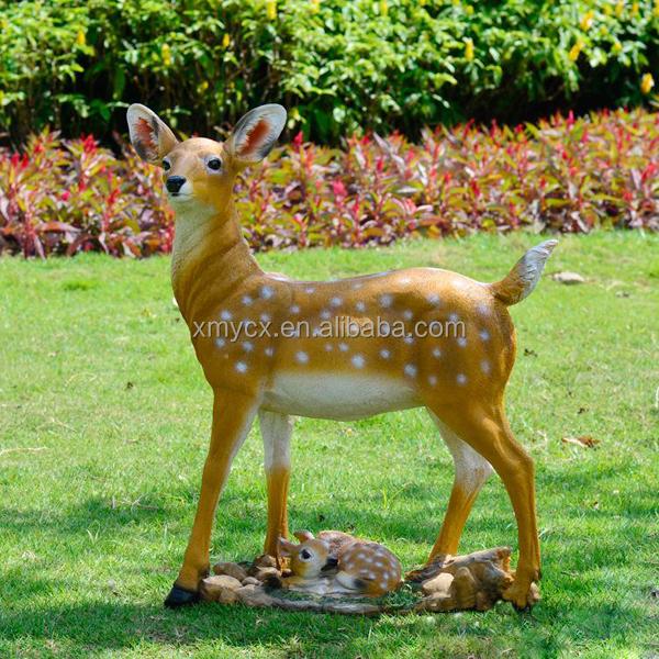 jardin d coration biche famille r sine deer statue. Black Bedroom Furniture Sets. Home Design Ideas
