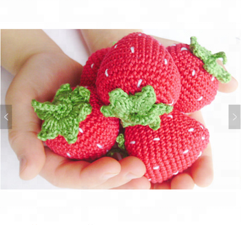 1 piece crochet strawberry rattleteether piay food kitchen decoration - Strawberry Kitchen Decoration
