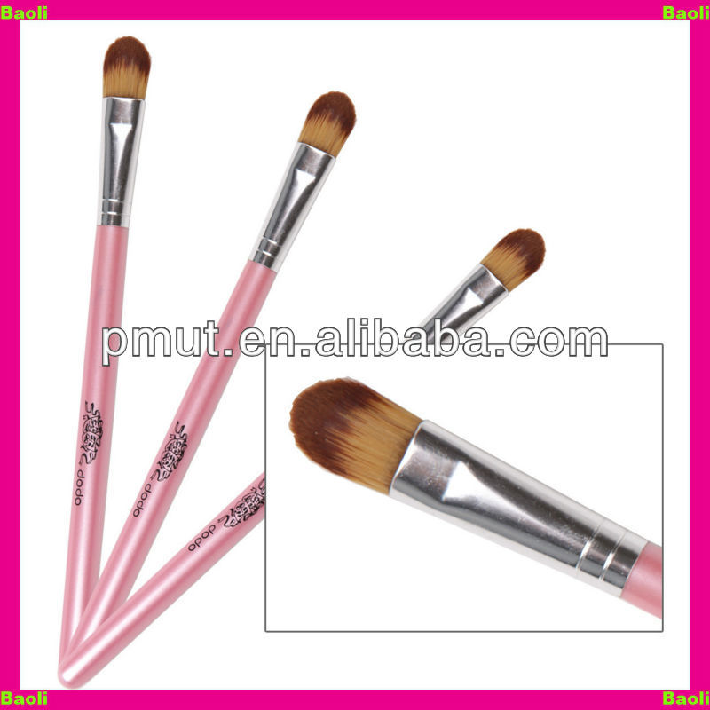 make-up brush for eye