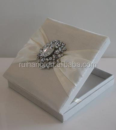 white luxury gatefold silk box wedding invitations with brooch 90b22271ff30