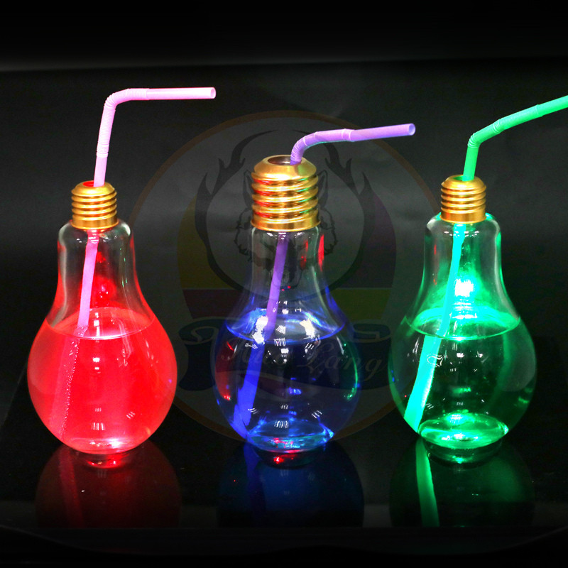 Summer Bulb Water Bottle Cute Milk Juice Cups with Colored LED Lights With Bulb Cup Manufacturer China