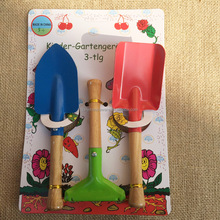Kid's 3-Piece Garden Tool Set with wooden handle