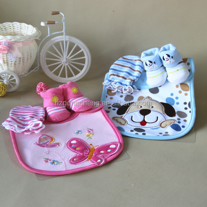 Factory Direct Sales 2016 Baby bibs/Shoes/gloves set for Winter