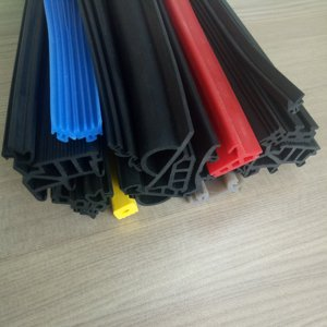 High temperature resistance EPDM sponge foam round / square rubber seal strip