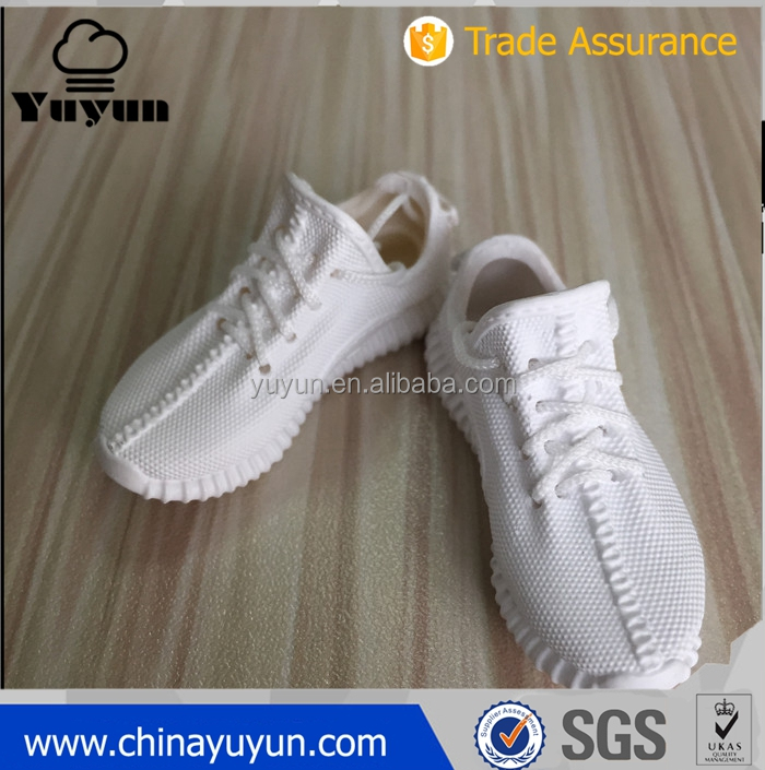 new product yeezy 350 v2 cream white 1:6 keychain for toy