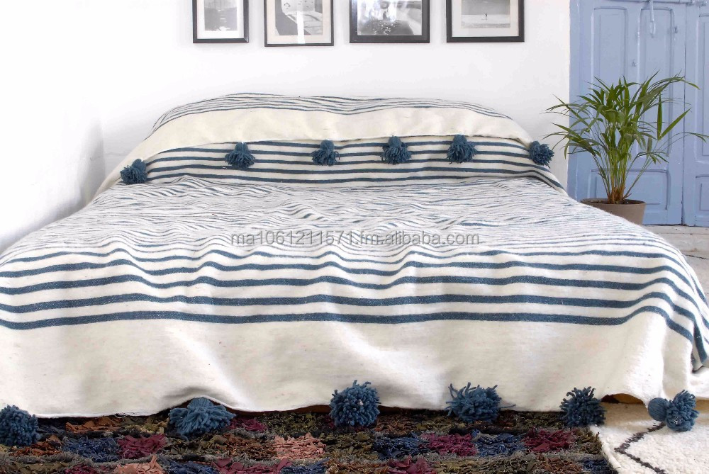 Moroccan Pom Blanket Bedspread Throw Rug 100 Pure Wool Handwoven On Traditional Wooden Looms Wl075 Product