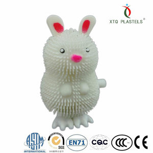 rabbit environmental wind up toy China factory