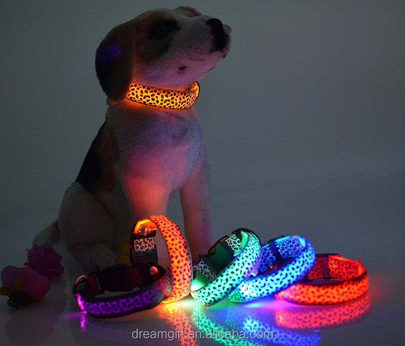 2015 High quanlity LED light dog collar flashing pet collar with leopard print