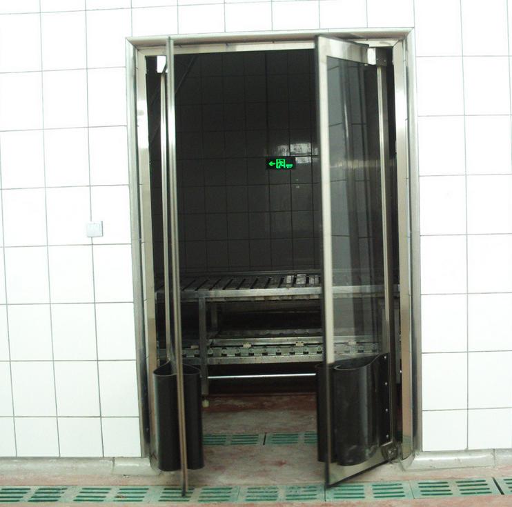 High Quality 304 Stainless Steel Impact Door Traffic Door