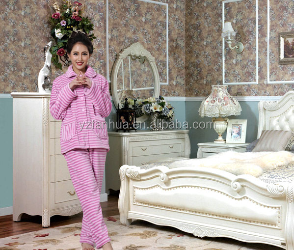 China Manufacture Women Sleepwear Suit/Pajamas/Pyjamas