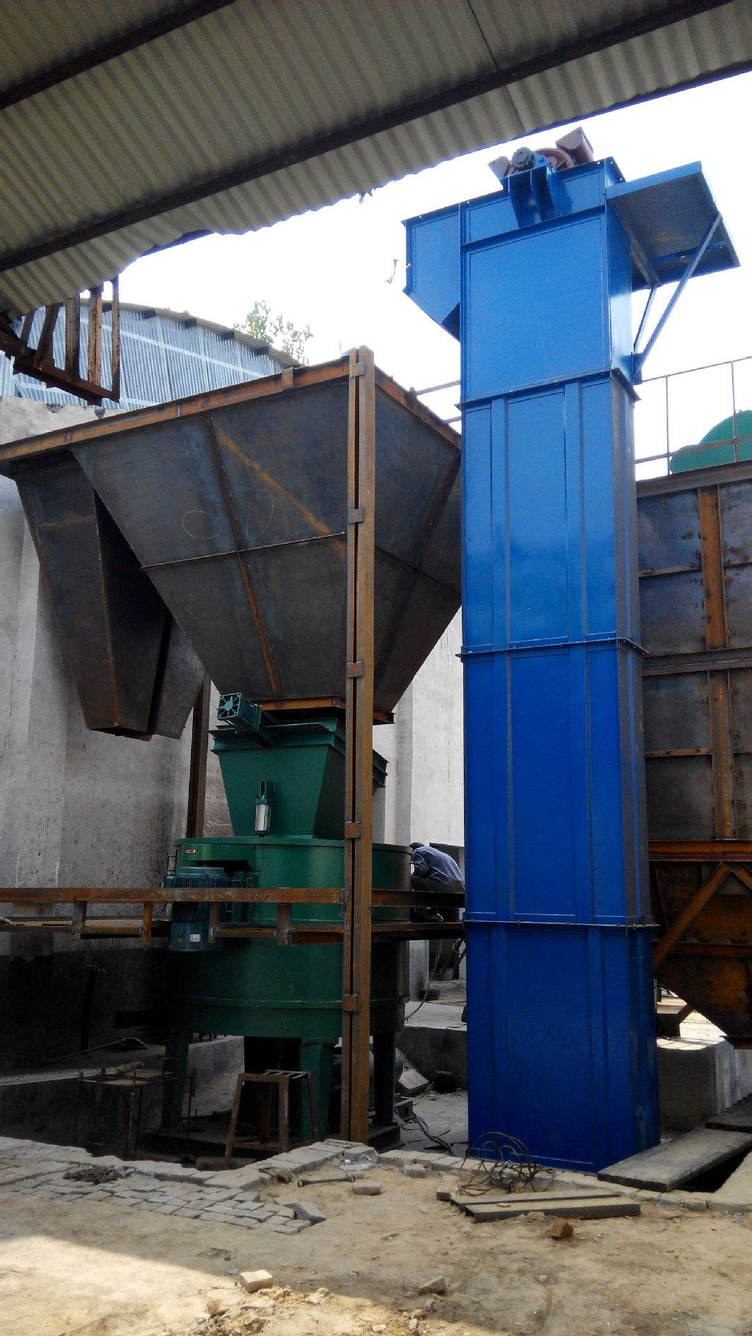 TD400 Professional Plastic Bucket Elevator for Transporting Grain/Food