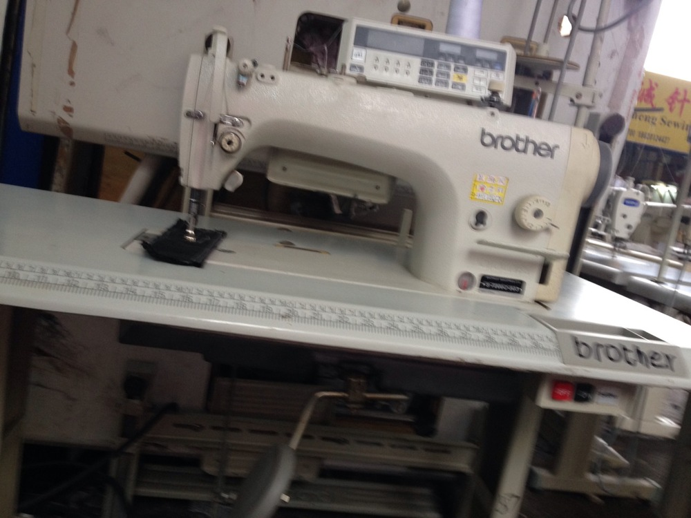 Used Garment Factory Taking Sewing Machine