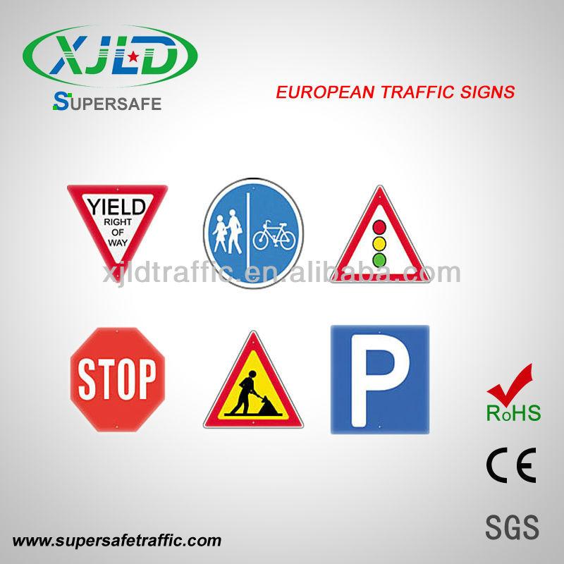 Aluminum Traffic Sign Board In Road