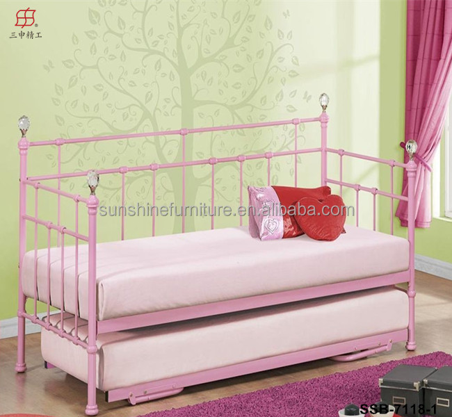 Morden Living Room Pink White Black Metal European Style Iron Day Bed Product