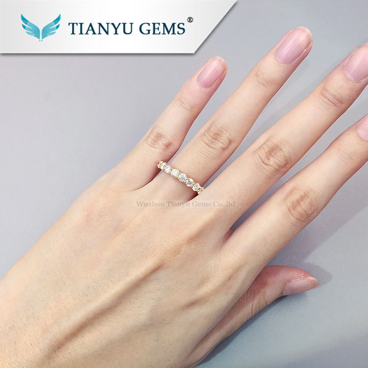 Tianyu gems Customized 14k/18k yellow  gold U setting ring 9pcs 3mm round heart&arrow  cut moissanite  engagement ring