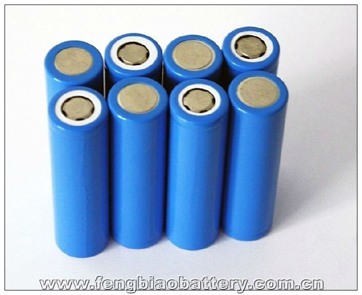 18650 3000mAH battery Rechargeable Li-ion battery supplier