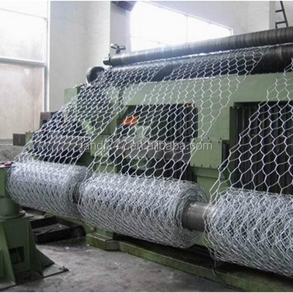 Factory hot sale electro galvanized hexagonal wire fence mesh