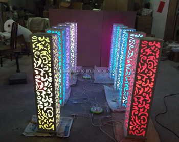 Square Metal Led Light Pillars Flower Stand In The Wedding Stage Aisle Decoration