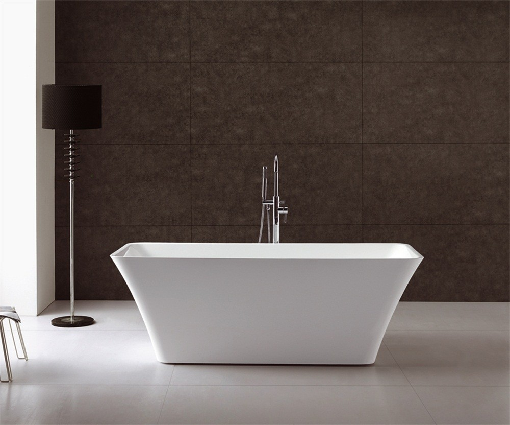 Vasche Da Bagno D Epoca : Vasca da bagno d epoca in una camera con parete bianca rendering