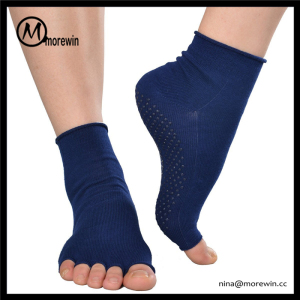 Morewin Socks Anti Slip Five Fingers Yoga Socks Custom Half Toe Open Toe Yoga Socks With Grips