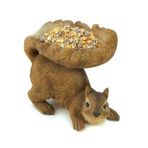 Fashion squirrel figurines garden decoration resin custom wild bird feeders