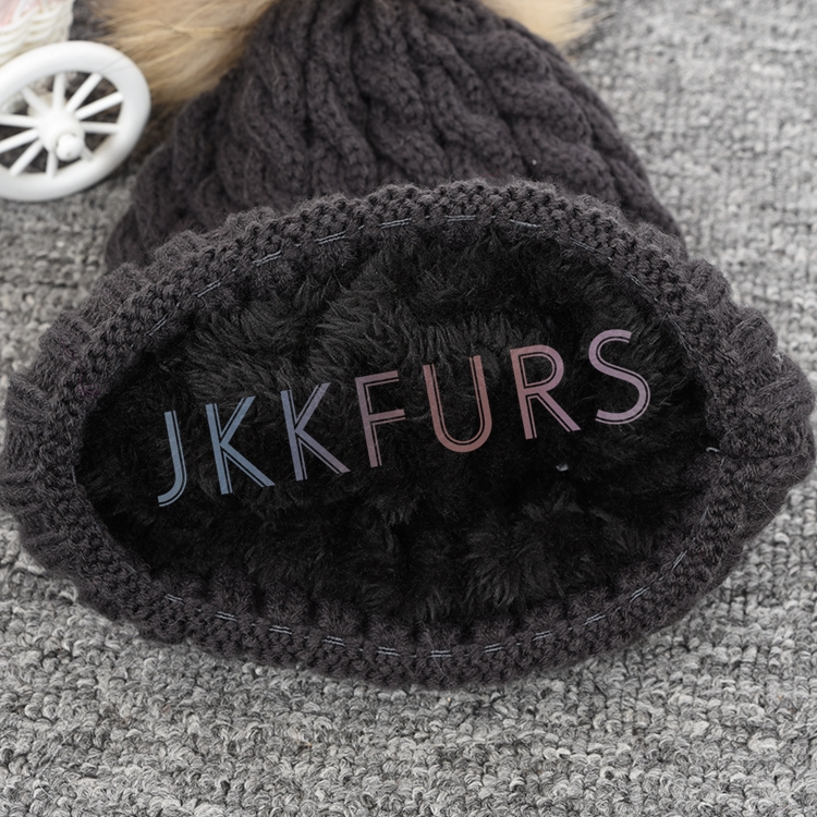 Hot Sale Popular Design Knitted Fur Hat Winter Warm Fluffy Pompom Hat for Ladies
