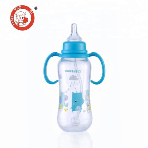 Free sample of lansinoh momma feeding bottles & nipple.