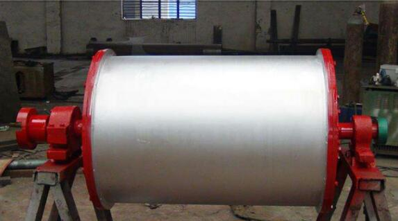 Permanent Magnetic Drum-Remove the waste rock and waste material automatically by the permanent magnetic drum