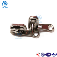 DAWEI brand good quality custom zipper head auto-lock sliderway zipper slider
