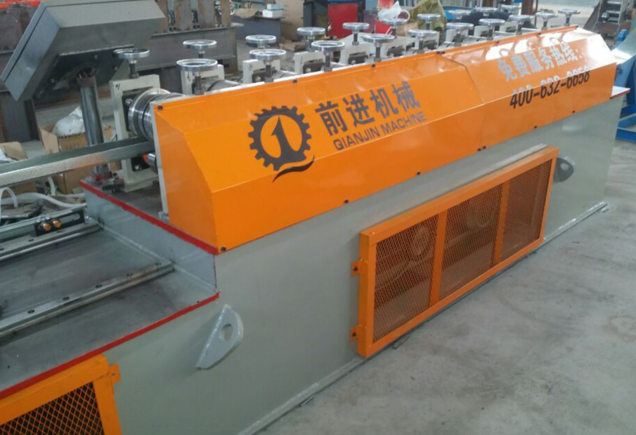Latest design C channel steel profile roll forming machine