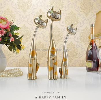 2016 uk handmade resin cat animals sculpture office table decoration item with gold white wedding home - Home Decor Item